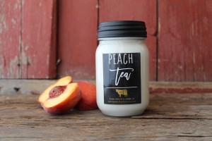 Milkhouse Farmhouse Świeca duża PEACH TEA